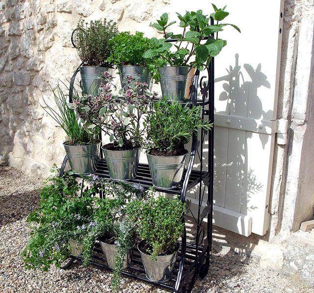 Kräuterbeet Ideen neuer trend vertical gardening balkon kräuterbeet ideen
