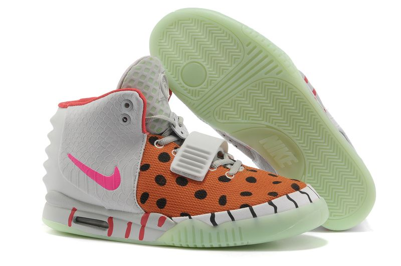 Pas Cher Blanc and Orange Nike Air Yeezy II Femmes Chaussures
