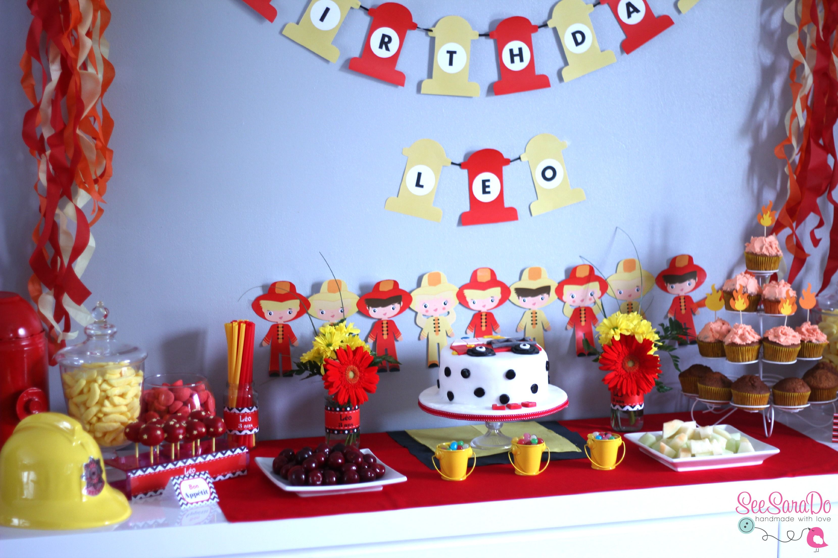 sweet table pompiers anniversaire pompiers fireman birthday party pinterest pompiers. Black Bedroom Furniture Sets. Home Design Ideas