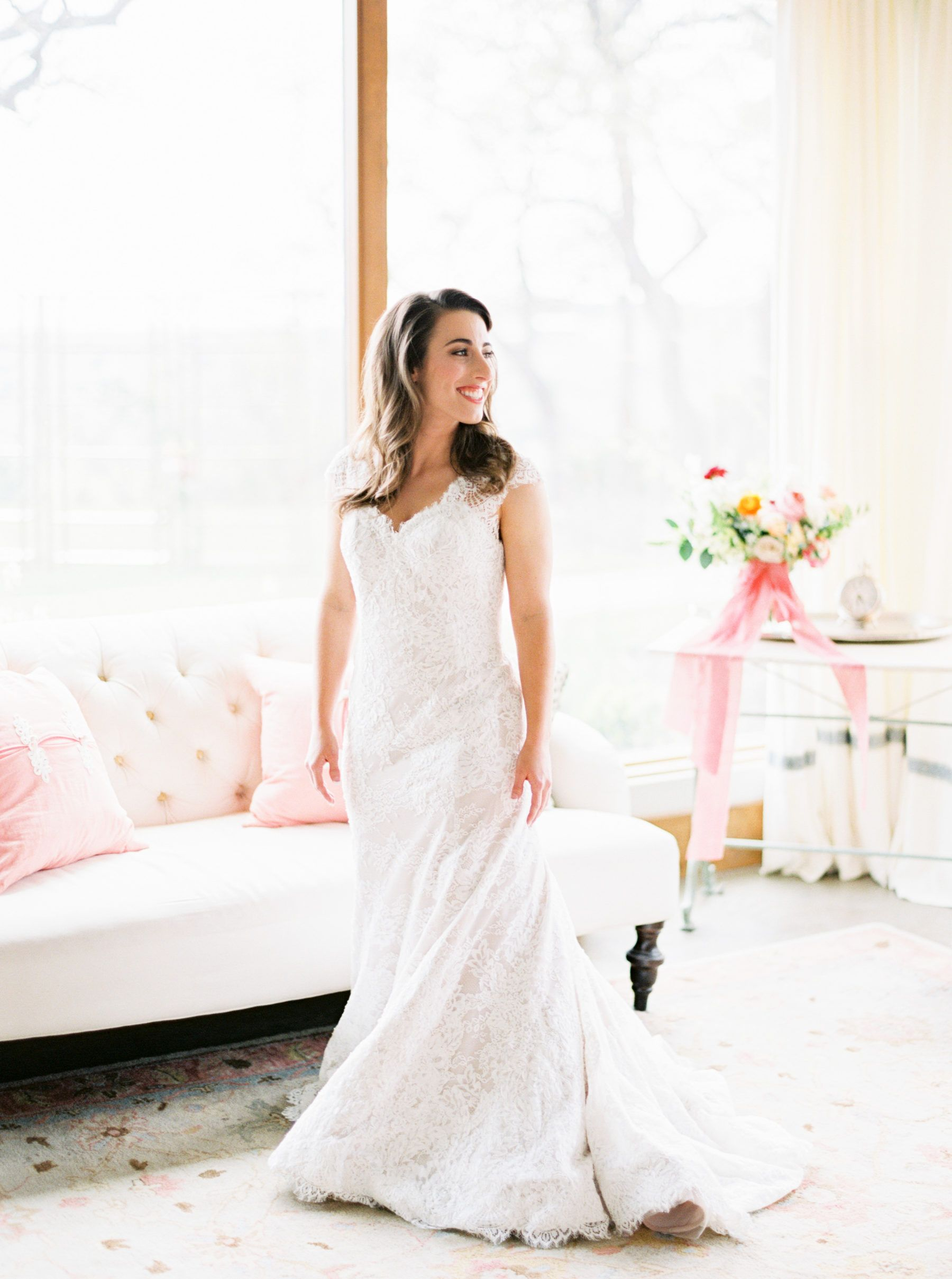 Southern Spring Wedding At Canyonwood Ranch In Austin Texas Wedding Dress With Veil Pretty Bridesmaid Dresses Bridal Beauty