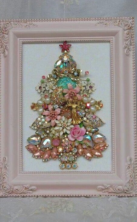 beautiful shabby chic jewelry Christmas tree in a frame | christmas ...