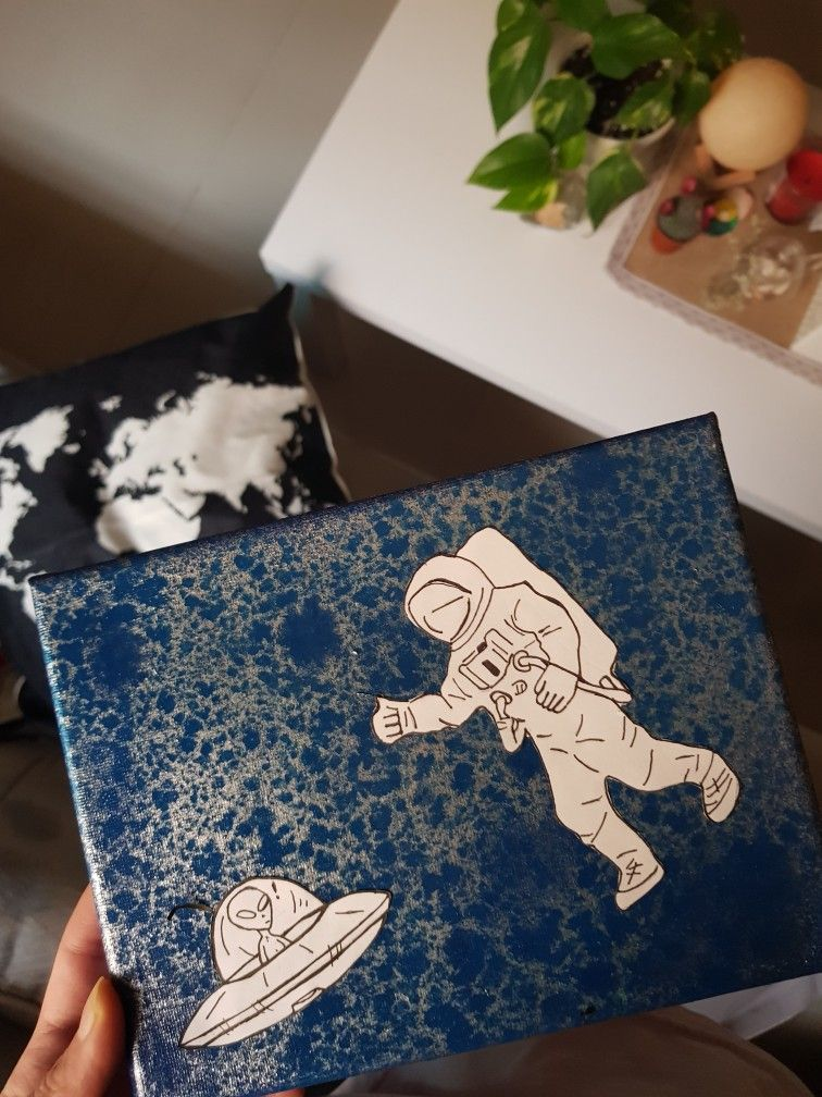 رائد فضاء Astronaut Space Man Art Painting Drawins Astronaut Simple رسم بسيط فن Cute Canvas Paintings Diy Canvas Art Painting Joker Art Drawing