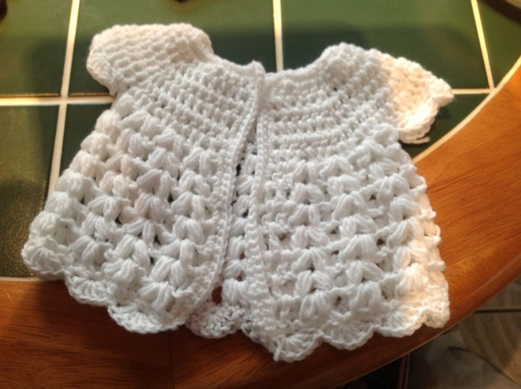 Free crochet cardigan pattern … Slightly adapted for the 'catwalk'! #crochetbabycardigan