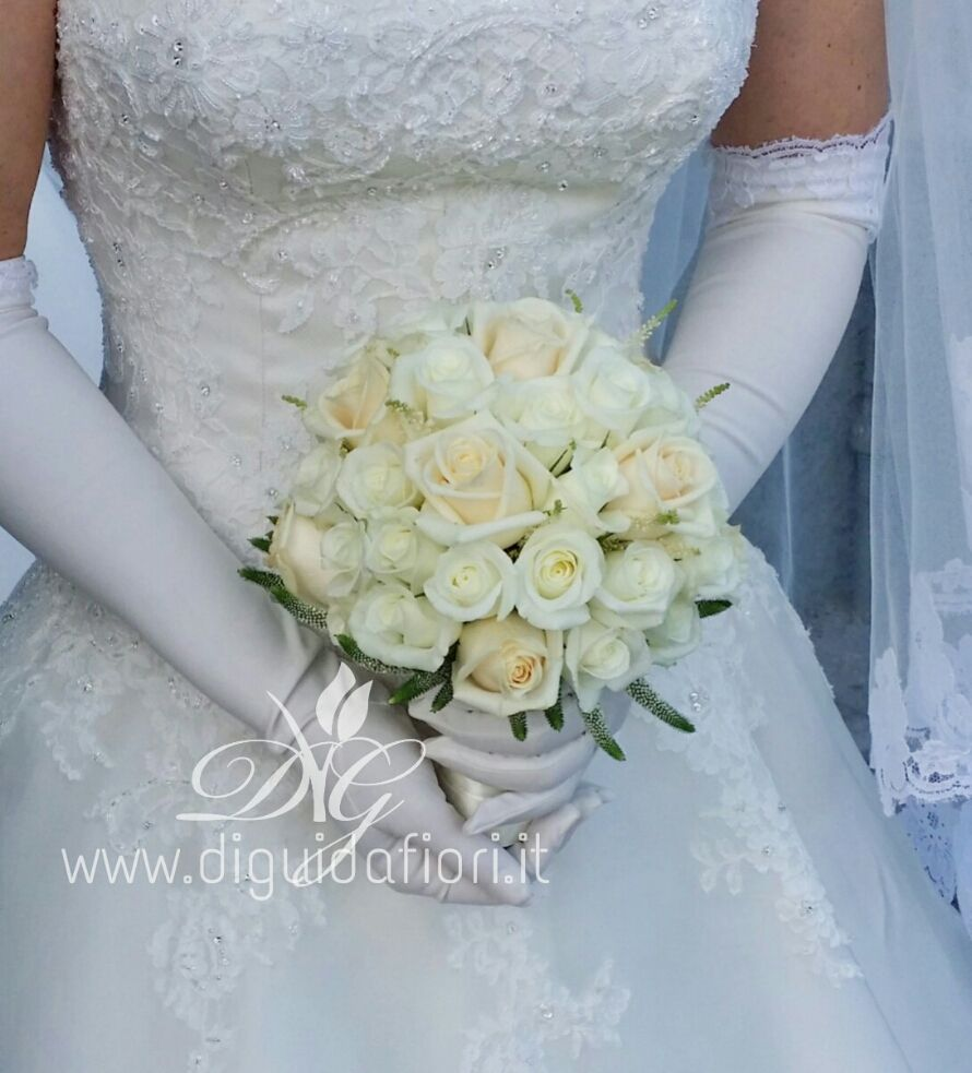 Bouquet Sposa Elegantissimo.Bouquet Da Sposa Elegante Accessori Per Matrimonio Bouquet Da