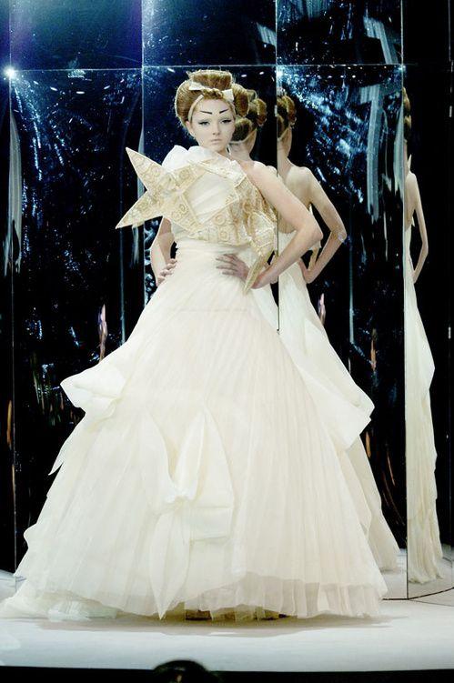 Iconic Couture Wedding Gowns I C O N I C H A U T E C O U T U R E