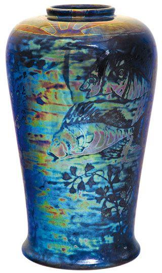 Zsolnay - Váza, víz alatti világ panorámaképes ábrázolásával, Zsolnay, 1907 körül Fazonszám: 8192, M: 31,5 cm Jelzés: domború körpecsét 2007/300e