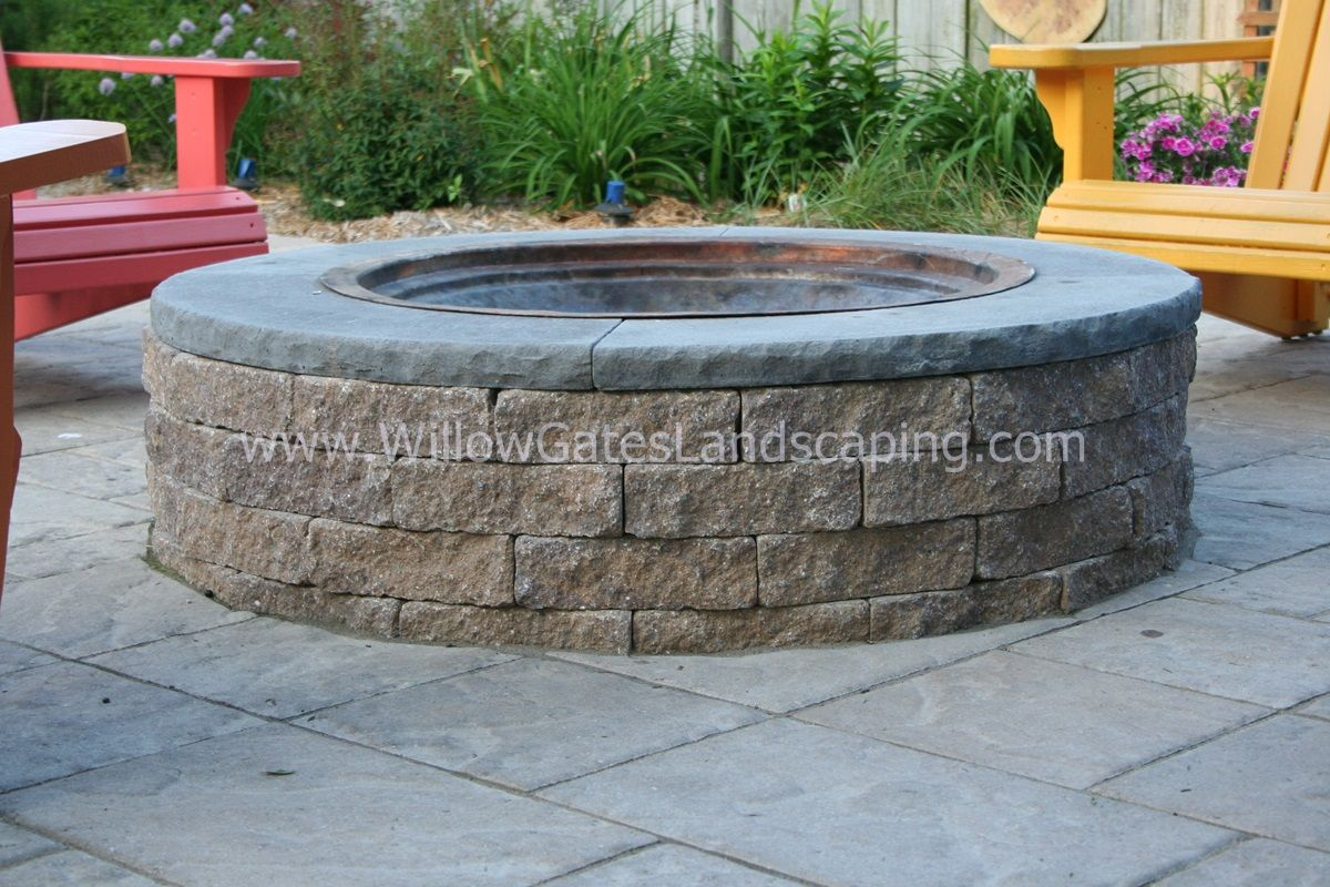 Techo-Bloc Valencia fire pit kit, topped with cap from EP ...