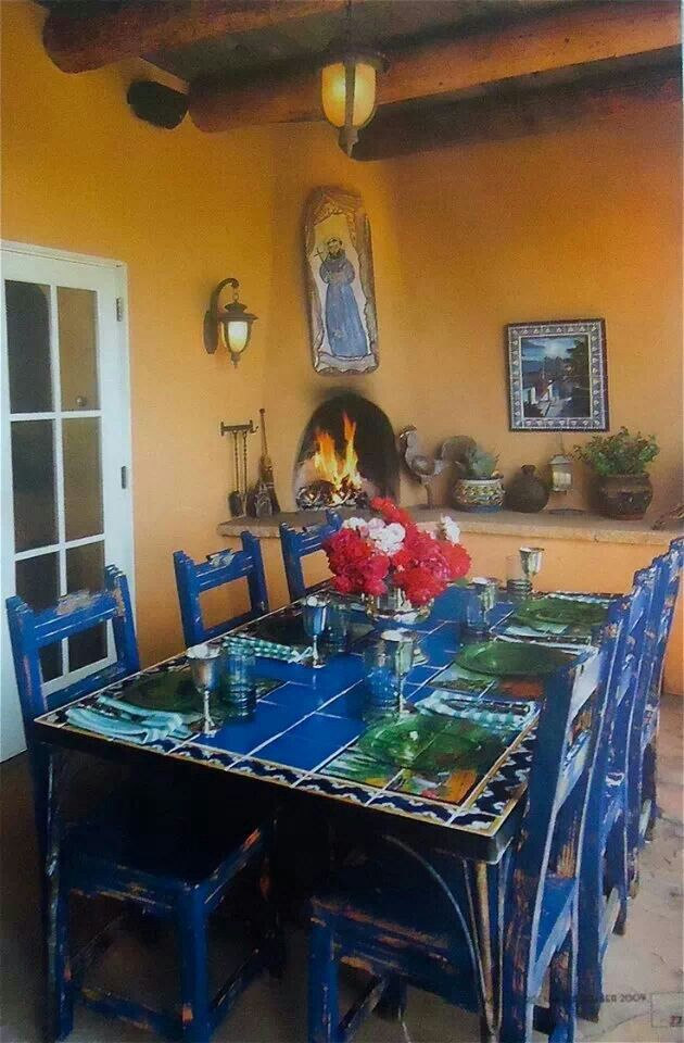 We Need A Round Table Of This Type With Blue Chairs Mexican Decor Hacienda Style Porch Tile