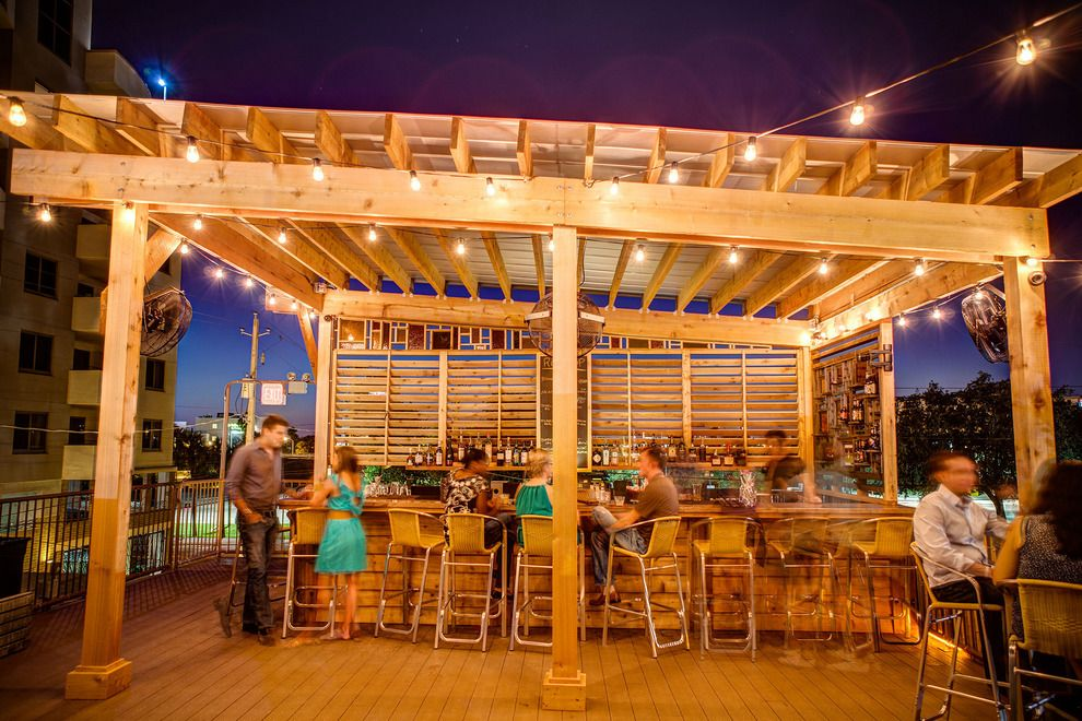 Explore Tampa S Lively Bar Scene To Find The Perfect Hangouts Tampa Restaurants Bars In Tampa Tampa Nightlife