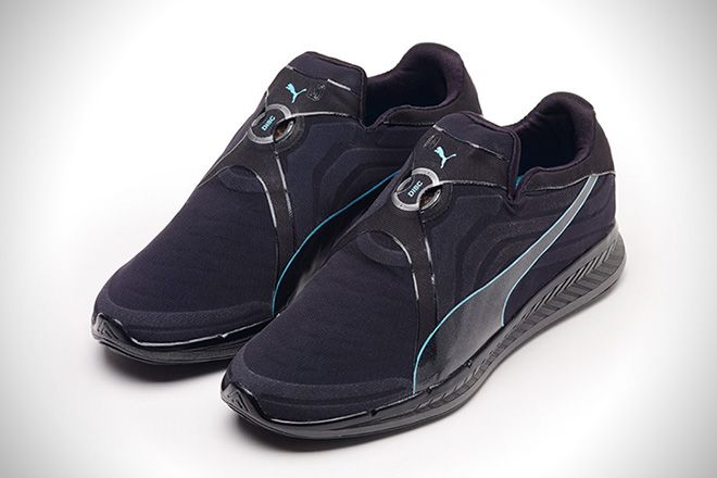 Pegajoso Cilios Endurecer  The Puma AUTODISC Are The World's First Auto-Lacing Sneakers ...