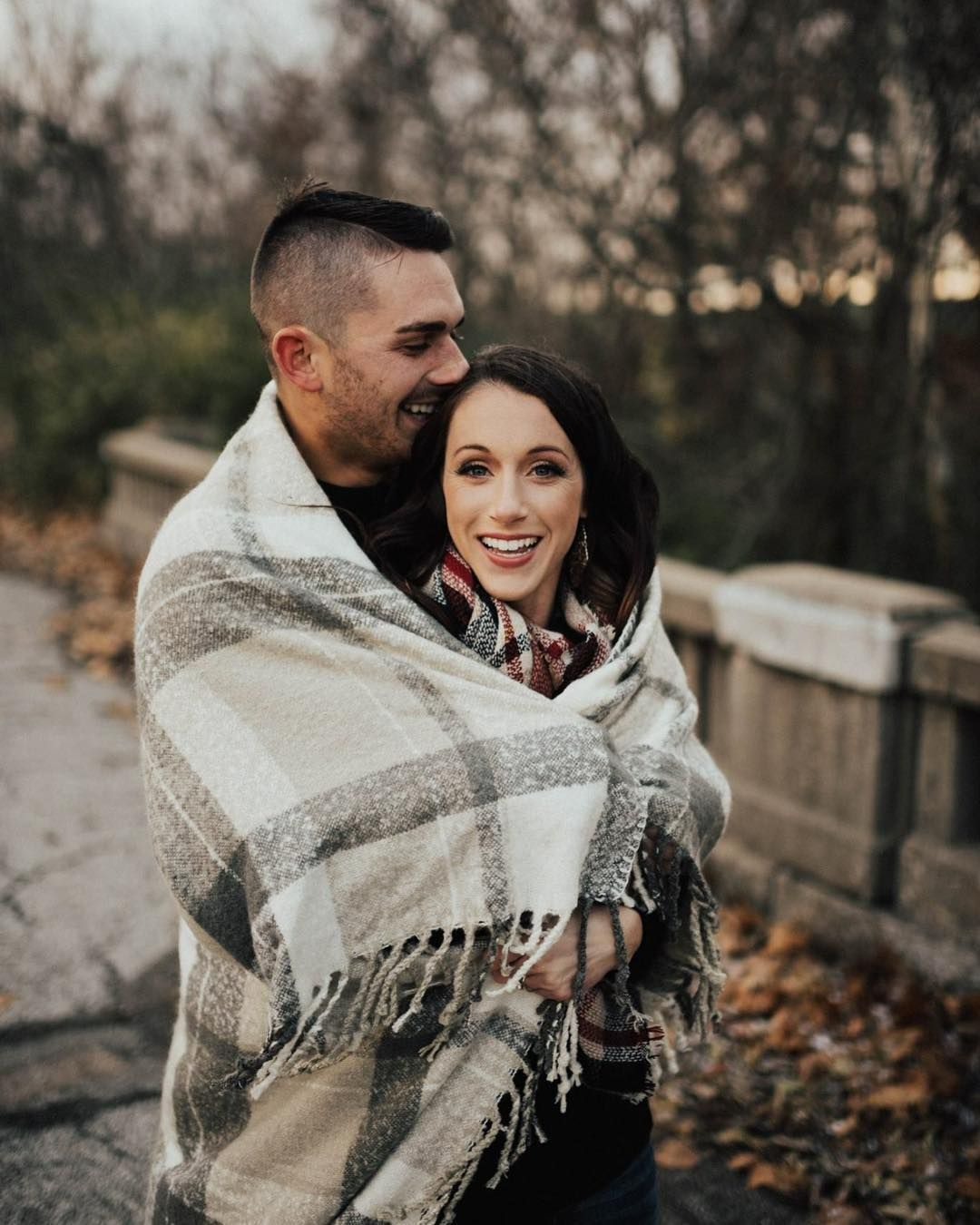 meredithgravesphotography Cozy outdoor winter engagement