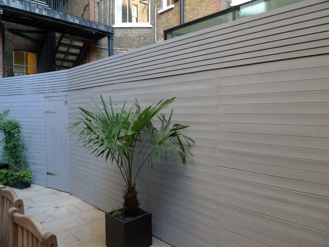 Bespoke modern grey fence screen trellis london jpg for Contemporary garden trellis designs