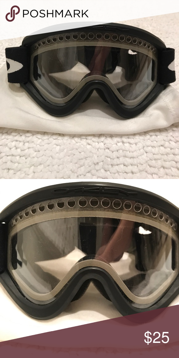 233ca6b82b58 Oakley Snowboard or Ski Goggles with Small Frame Oakley Snowboarding or  Skiing Goggles with Small Frame