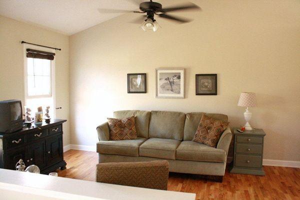 benjamin moore shaker beige bedroom tapestry beige by. Black Bedroom Furniture Sets. Home Design Ideas