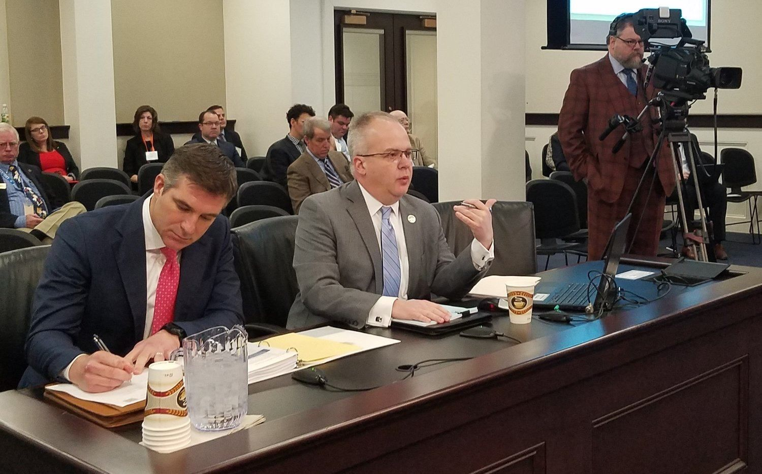 Kentucky Sports Betting Bill Passes House Committee, But