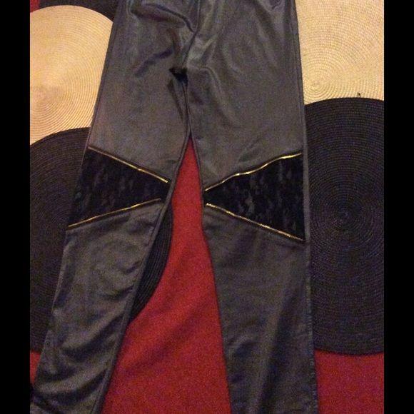 Grey leggings Grey night pants! Never wear,,runs big Pants Leggings