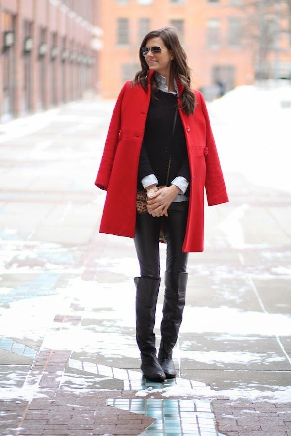 86e80fb59 Why do fashion bloggers wear our coats draped over our shoulders in ...