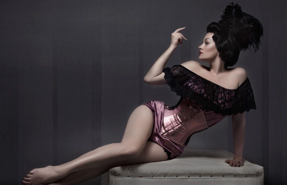 Bex Paul Burlesque-Model