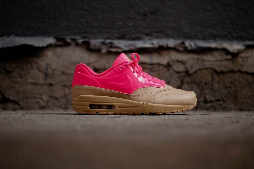 Nike Air Max 1 VT QS Vachetta Tan & Flash Pink