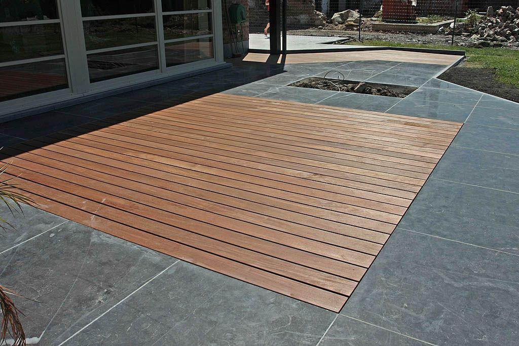 un mlange de bois et de dalle pour cette terrasse