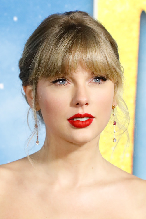 Taylor swift music image by skye on taylor alison swift
