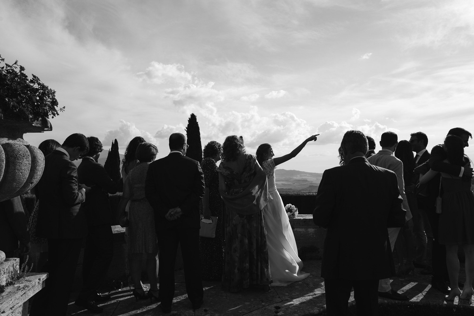 wedding photographer destination tuscany italy villa photo bride