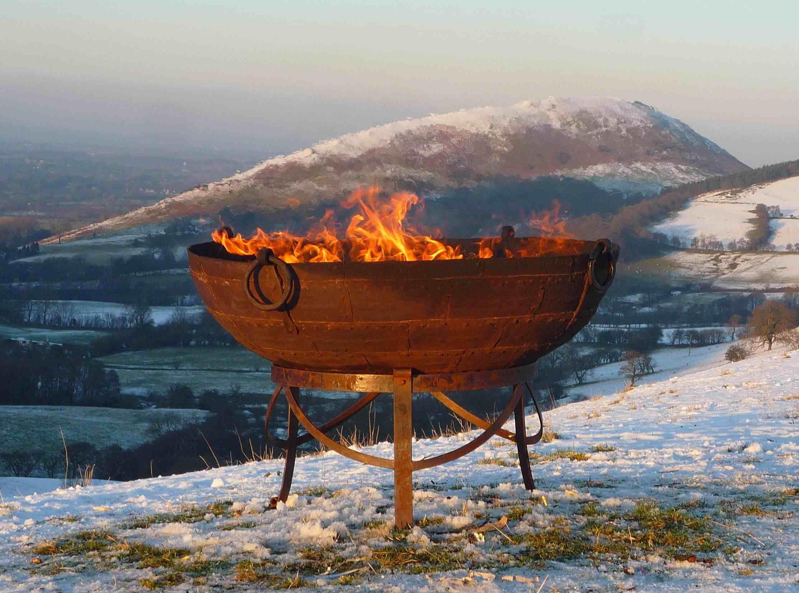 Original Kadai on Gothic stand Garden tools, Fire bowls