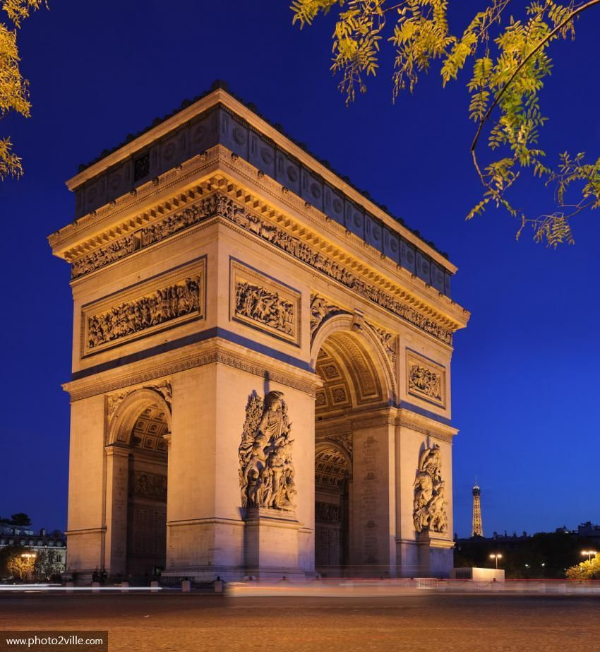 """""""@nathaliea1010: L'Arc de Triomphe de nuit à Paris ! Good Evening ! Bonne soirée ! """""""