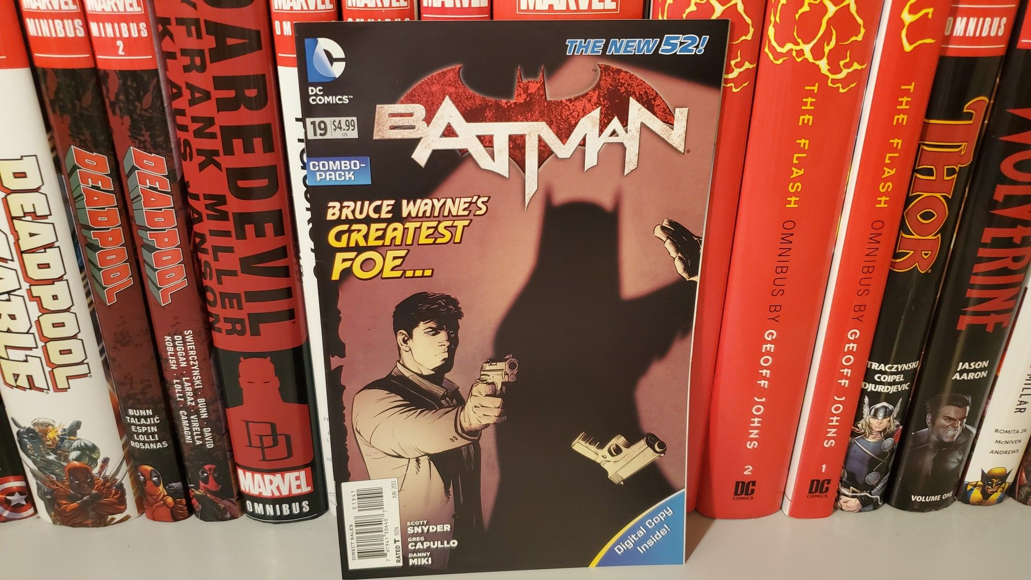 Batman Vol 2 Issue 19 Overview Video Https M Youtube Com Watch V Drlaifadicy Dccomics Jla Justiceleague B In 2020 Comic Book Collection Marvel Omnibus Bc Comics