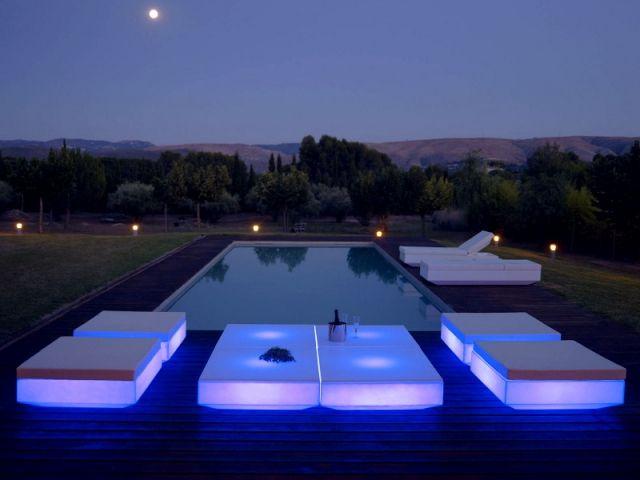 eclairage ext rieur une ambiance lumineuse dans mon jardin clairage ext rieur piscines et. Black Bedroom Furniture Sets. Home Design Ideas