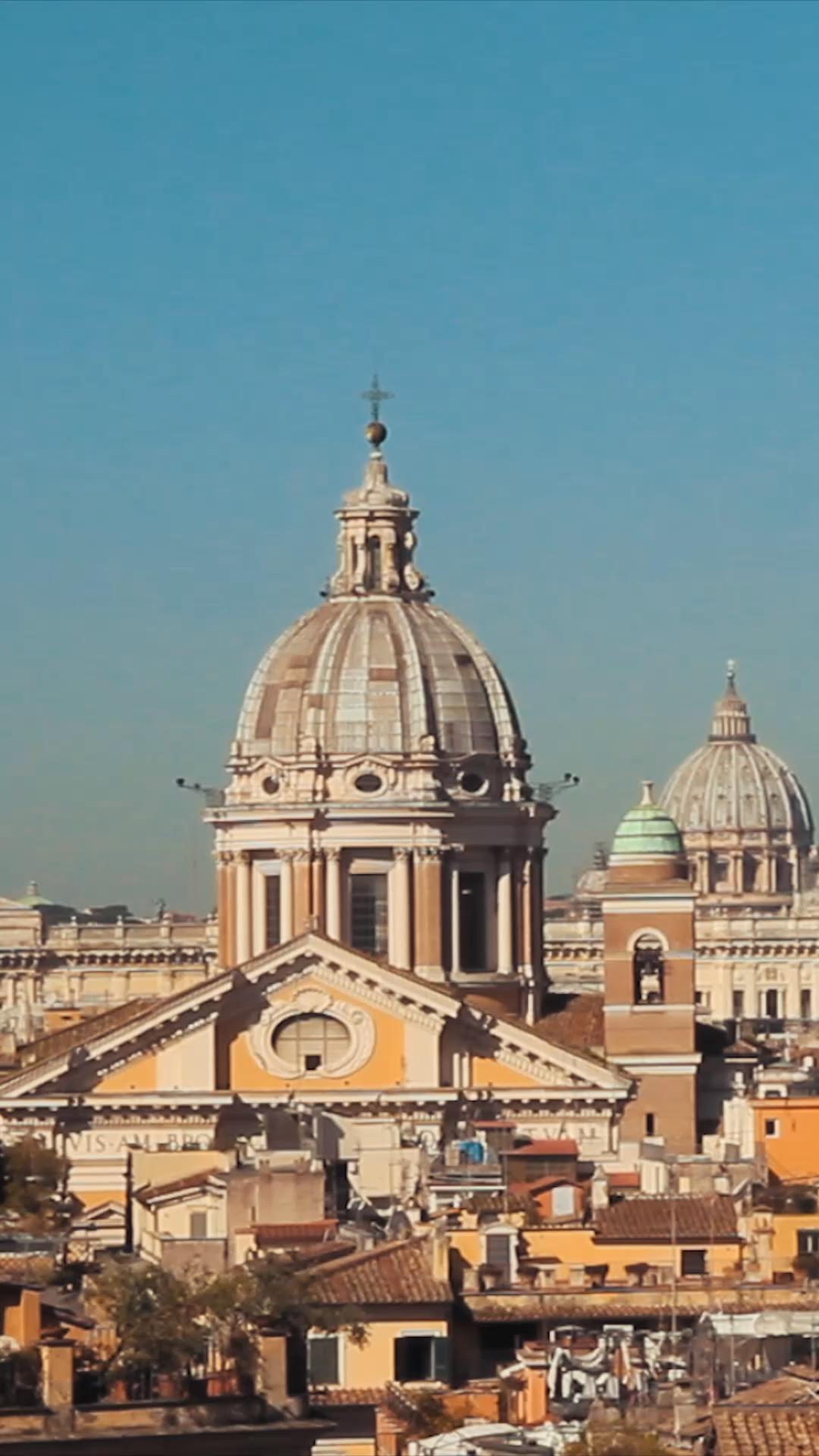 Confira as melhores atrações de roma, roteiro do que fazer em 2,3 e 4 dias. Onde ficar, como comprar ingresso, como visitar o Coliseu e Vaticano...  #italia #roma #viagem