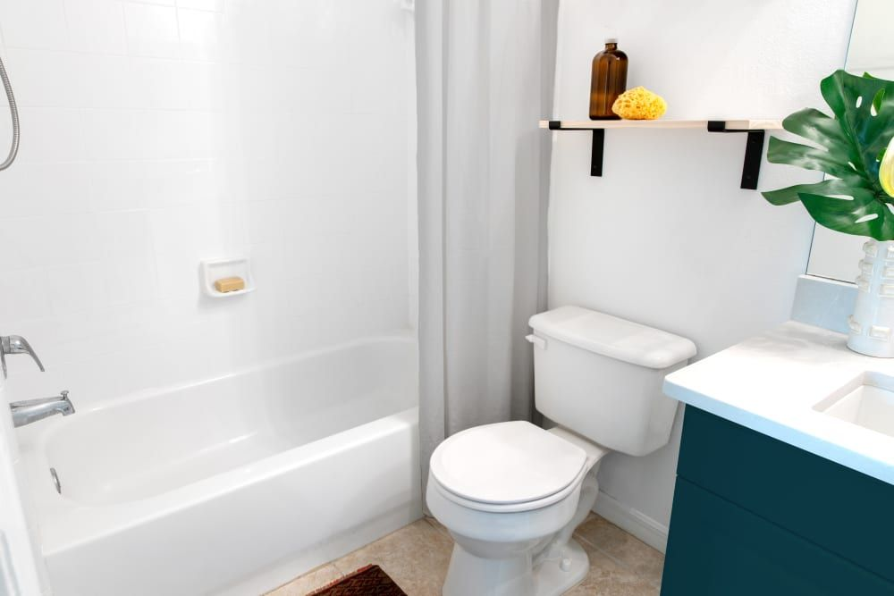 The Best Way To Clean Your Bathtub Is With Liquid Dish Soap Liquid Dish Soap Clean Bathtub Laundry Room Bathroom