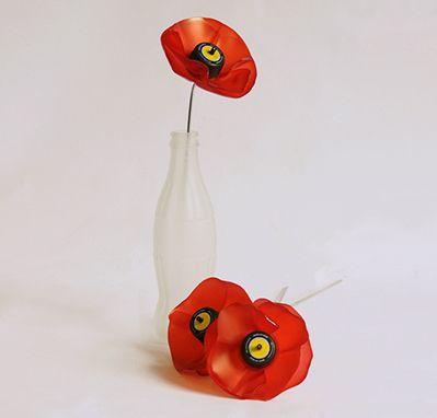 Sarah turner plastic bottle poppies idee pinterest plastic sarah turner plastic bottle poppies mightylinksfo Images