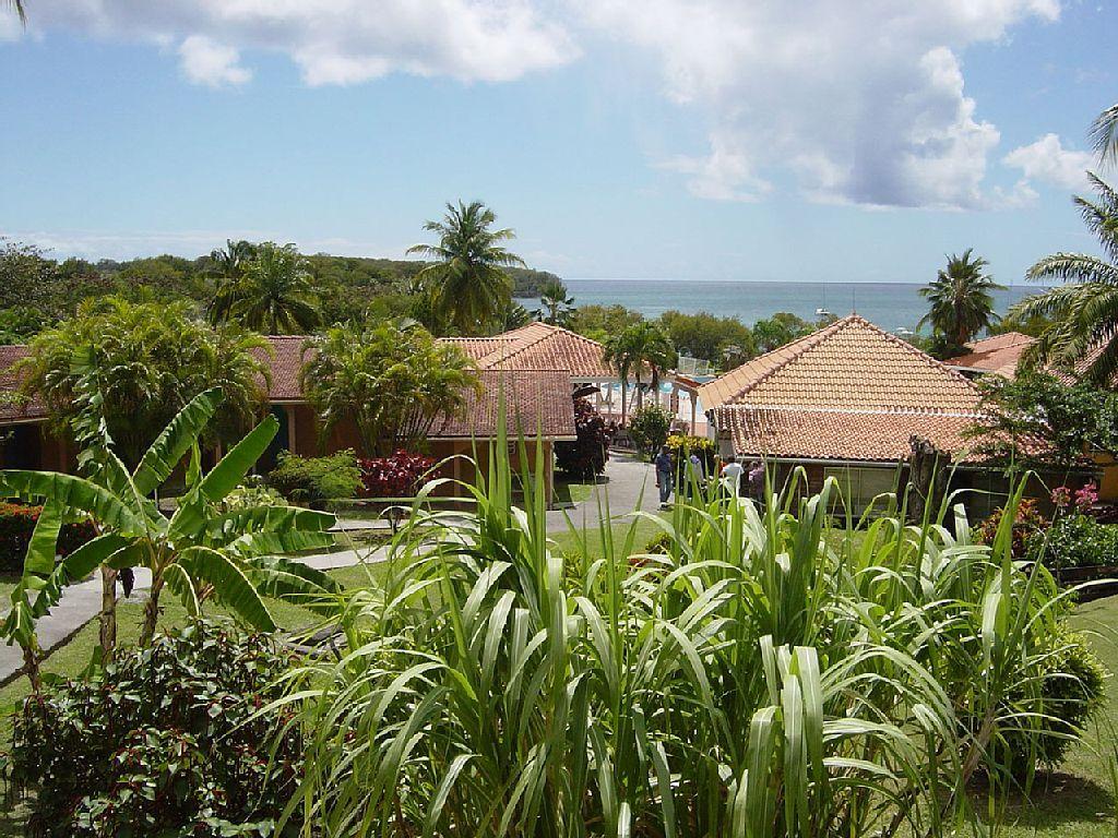 Location vacances appartement Sainte-Anne: Vue de notre balcon.  Nous voyons la…