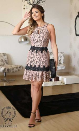 Vestidos de renda preto | Vestidos estilosos, Vestidos e