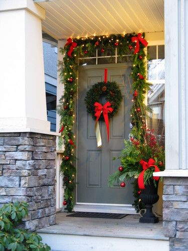 21 creative ways to decorate front door for christmas - Front Door Entrance Christmas Decoration