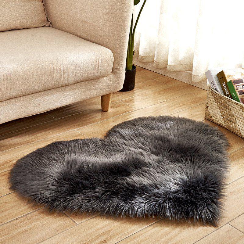 Simple Love Shape Wool Like Carpet Rugs On Carpet Cushions On Sofa Fluffy Rug
