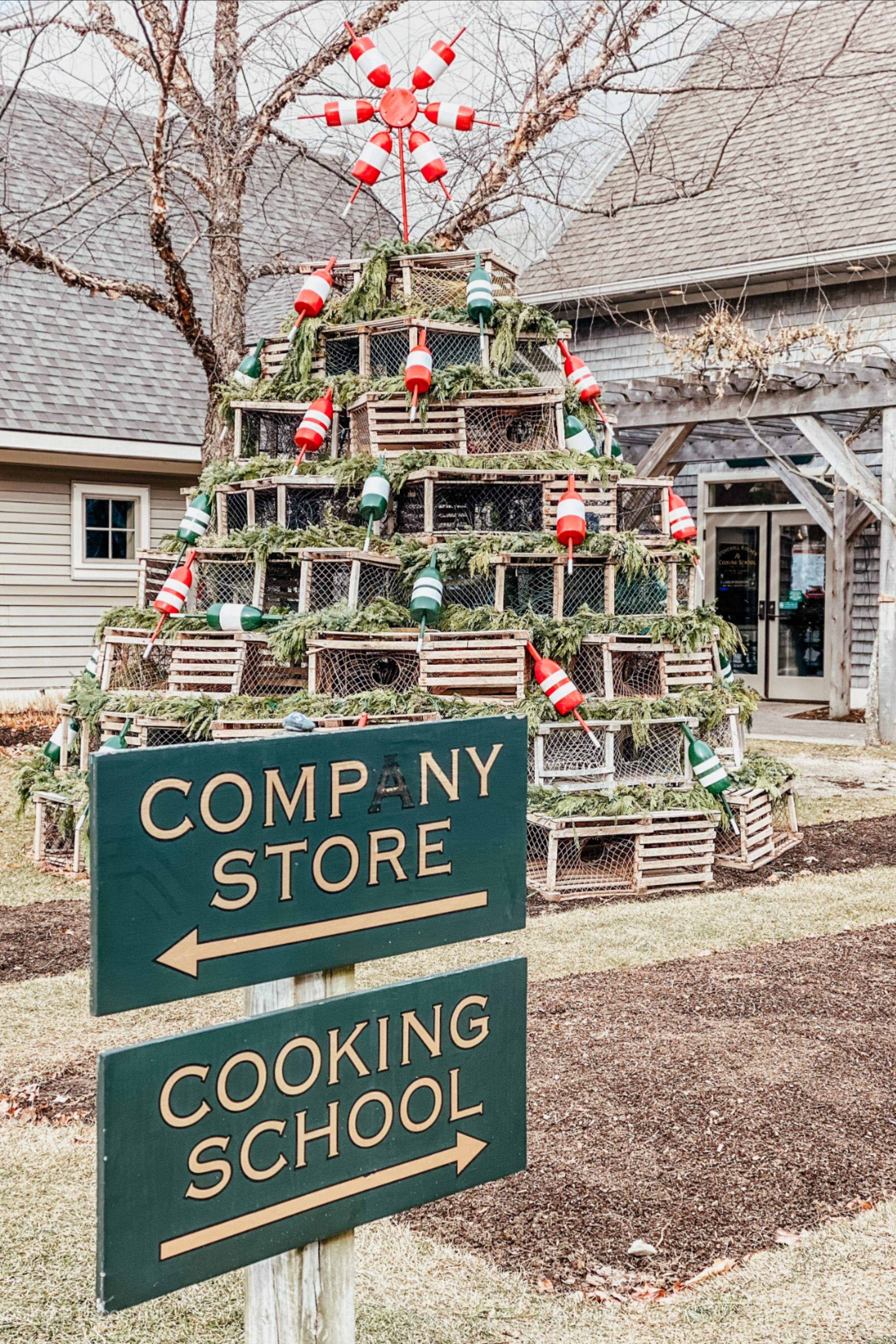 Stonewall Kitchen Is A Leading Specialty Food Producer Headquartered In York Maine I Love Their Food Recipes Christmas Decorations Cozy Decor Inspiration