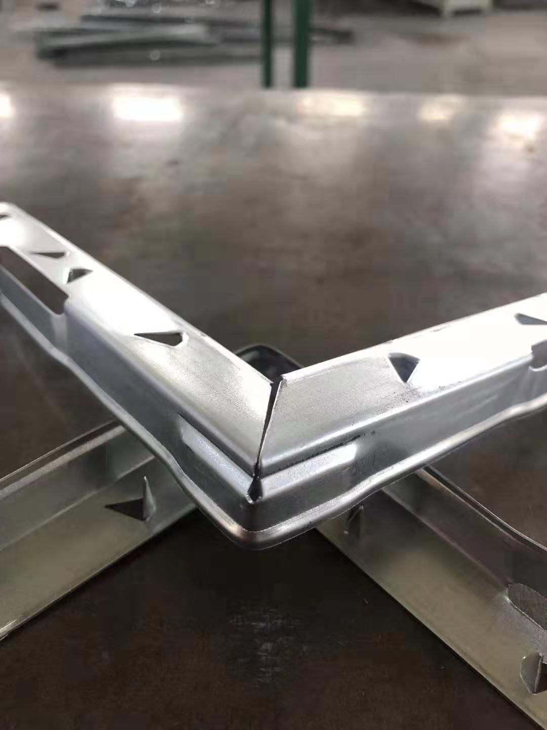 Details Of The Packaging Box Steel Strip Stainless Steel Strip Plywood Boxes Making Machine