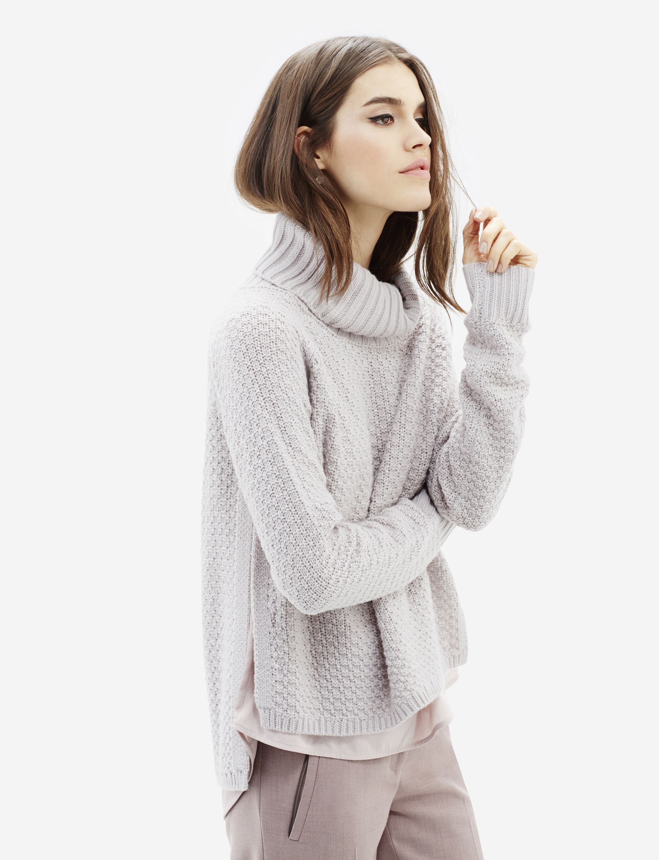 Layered Turtleneck Sweater - A plush 783bd7d73