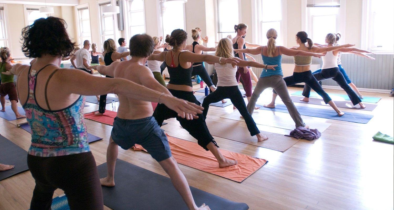 Il Viaggiatore Magazine - Sessione di Yoga