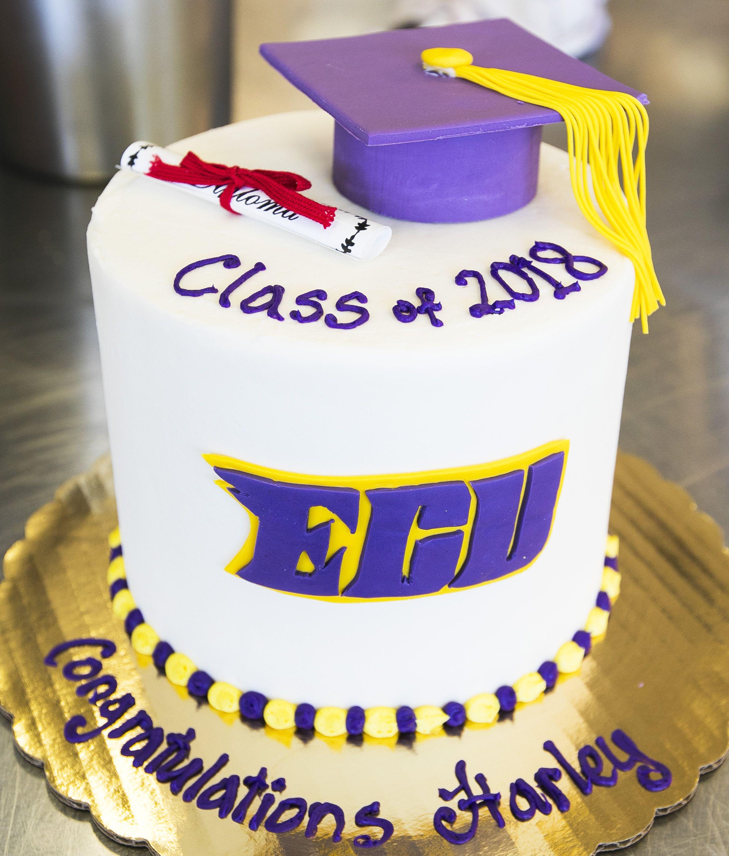 ECU graduation cake with fondant mortarboard. Cake # 031 ...
