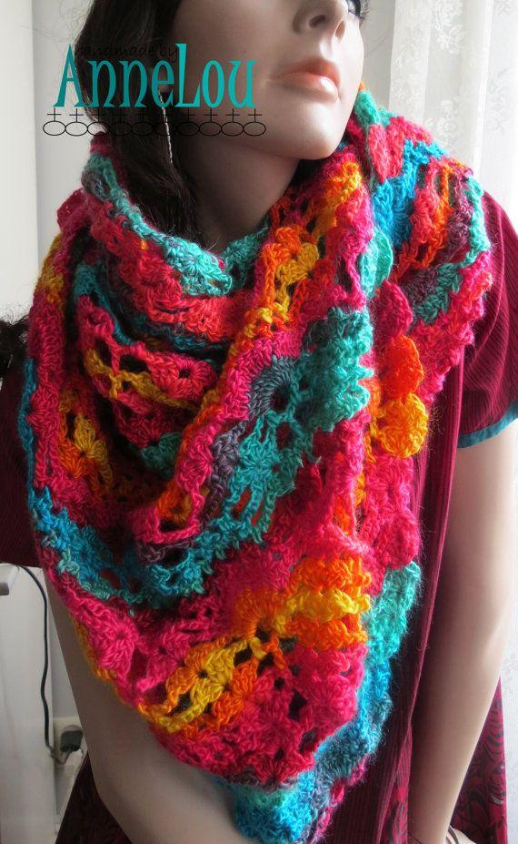 Hoi! Ik heb een geweldige listing op Etsy gevonden: https://www.etsy.com/nl/listing/265226109/crochet-rainbow-coloured-triangle-shawl
