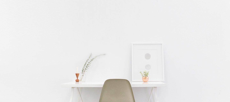 Spickzettel, um Ihren Schreibtisch und Computer bei der Arbeit organisiert zu halten