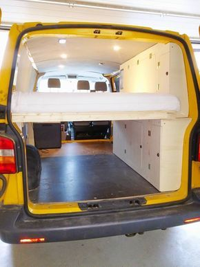 t5 ausbau bett und schrank auf fensterh he bus pinterest campingbus camper und campingbus. Black Bedroom Furniture Sets. Home Design Ideas
