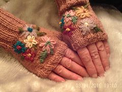 Ravelry: bearsaunty's Embroidered Mitts