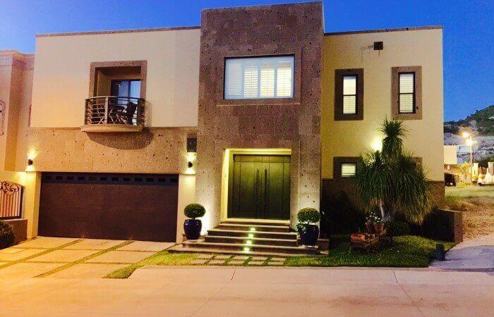 Preciosa residencia de 5 rec en venta en Santa Lucia al norte de Hermosillo Son.   Barceló Bienes Raíces