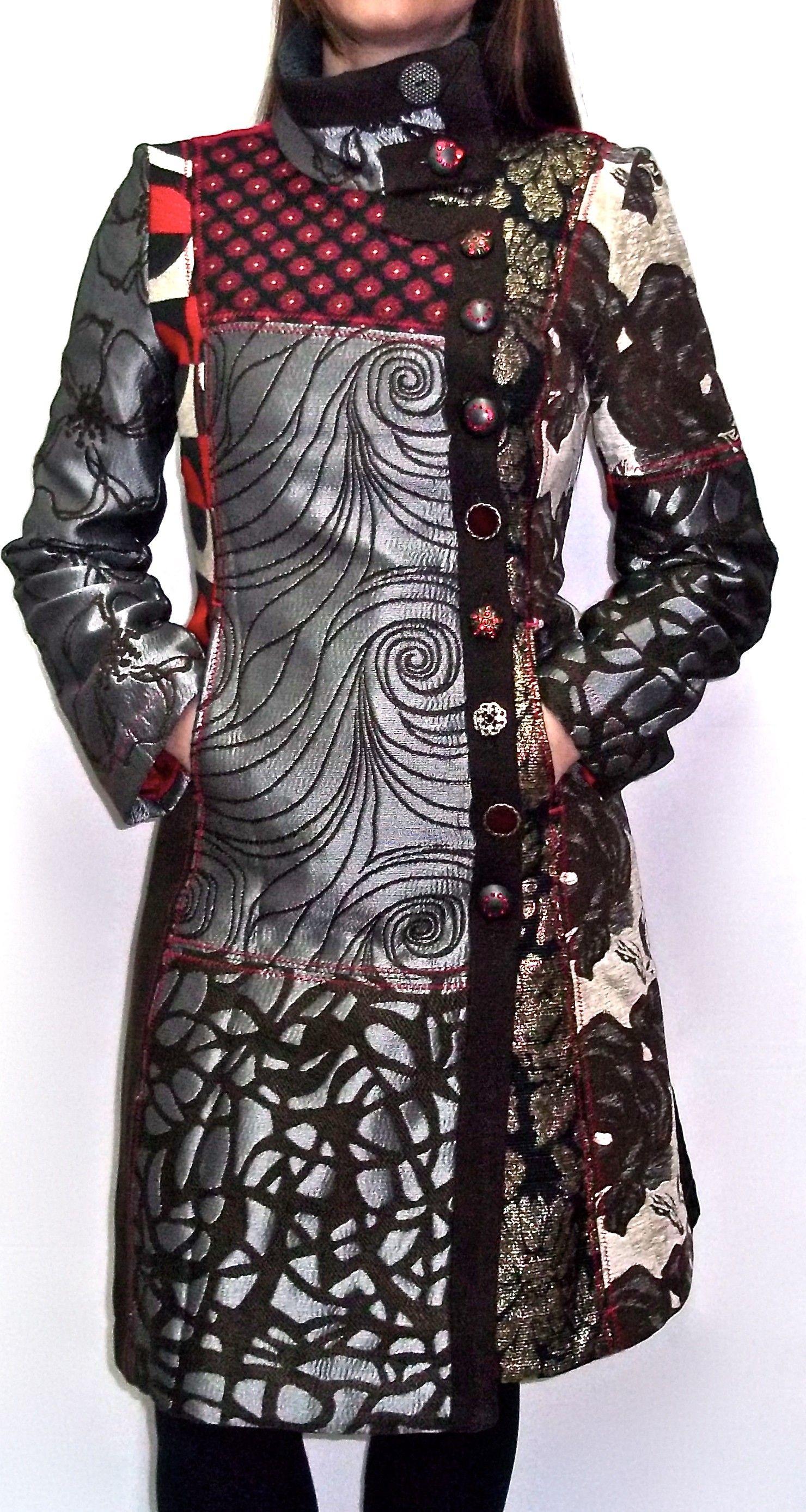 Chaquetas y abrigos de mujer negro de la tienda Desigual