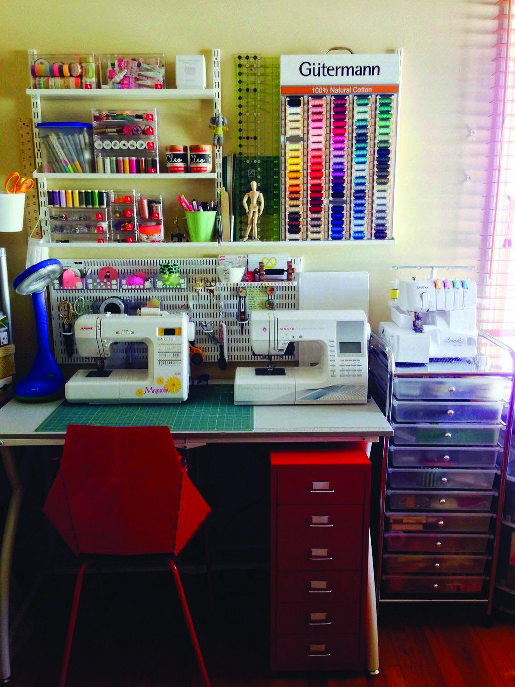 Pretty Small Craft Room Designs Layouts That Will Blow Your Mind Small Sewing Rooms Sewing Room Ideas Spaces Sewing Room Inspiration