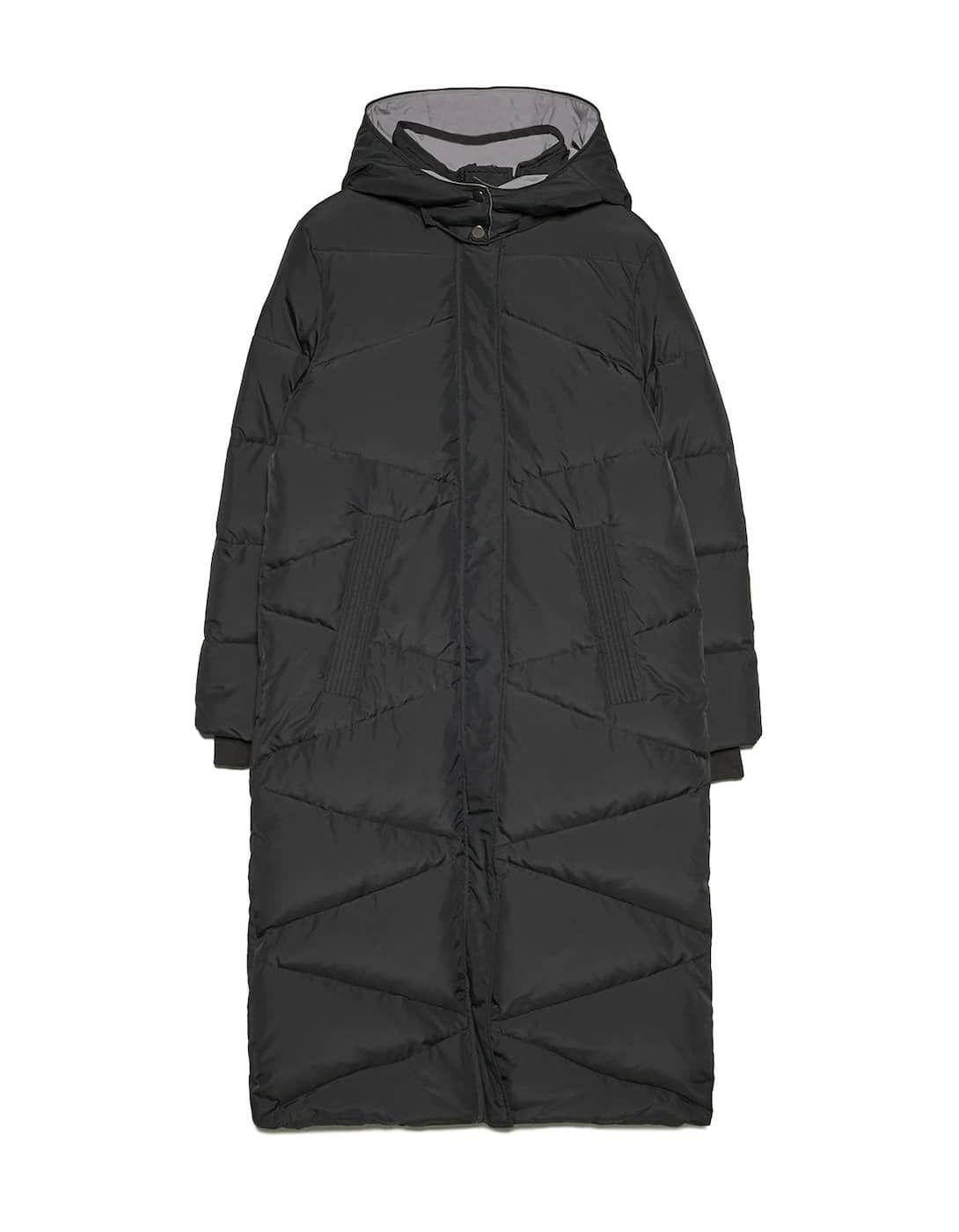 f70a831e5ec22 Długi puchowy płaszcz z kontrastową podszewką - Płaszcze ...